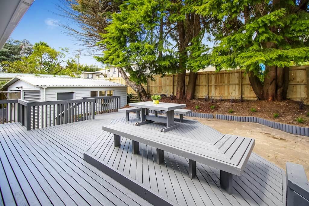 Garden with deck at Terra Nova Street house